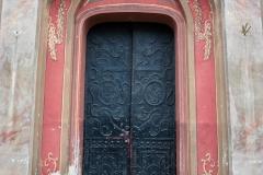 Drzwi glowne kosciola
